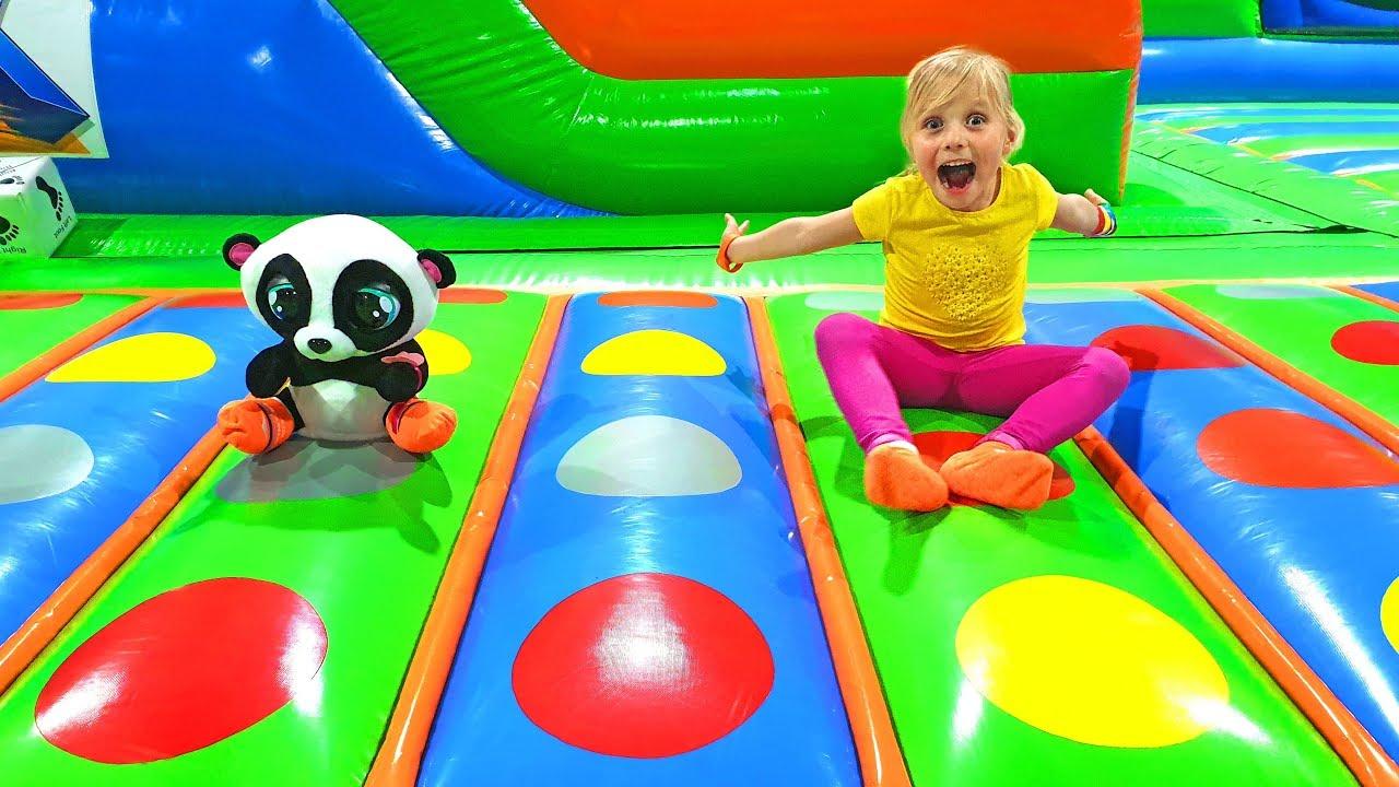 Я — Алиса — Алиса и друзья развлекаются на детских площадках