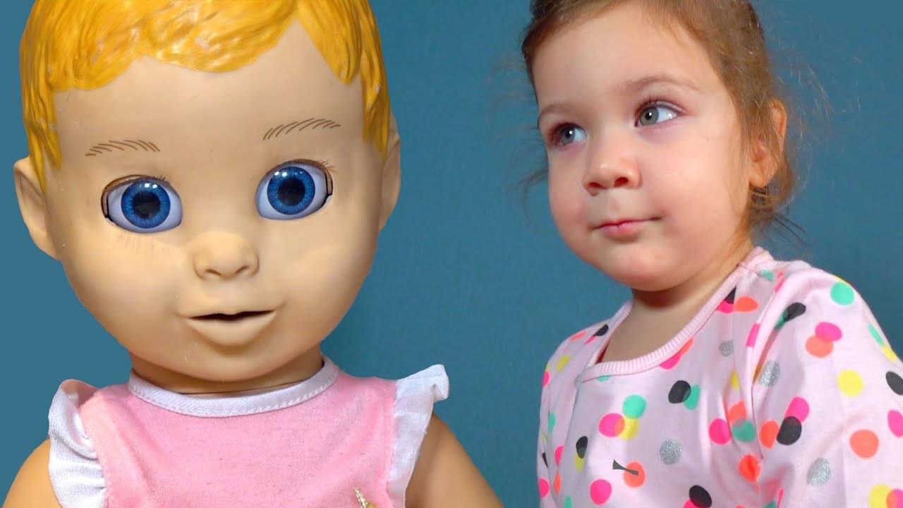 Эмилюша представляет — Кукла Джонни сладкоежка убегает от мамы. Детские песенки