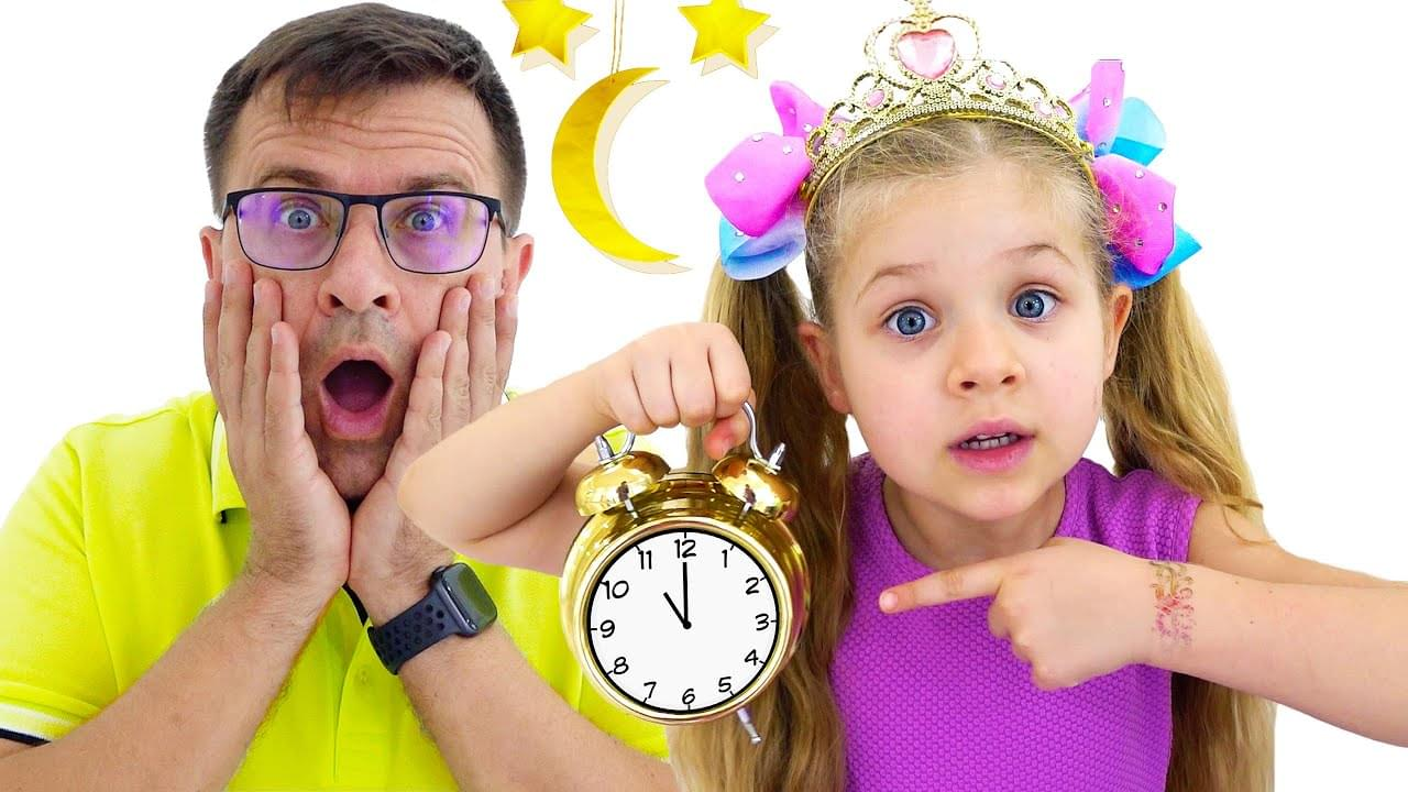 Кидс Диана Шоу — Diana and Roma change the time and play with dolls