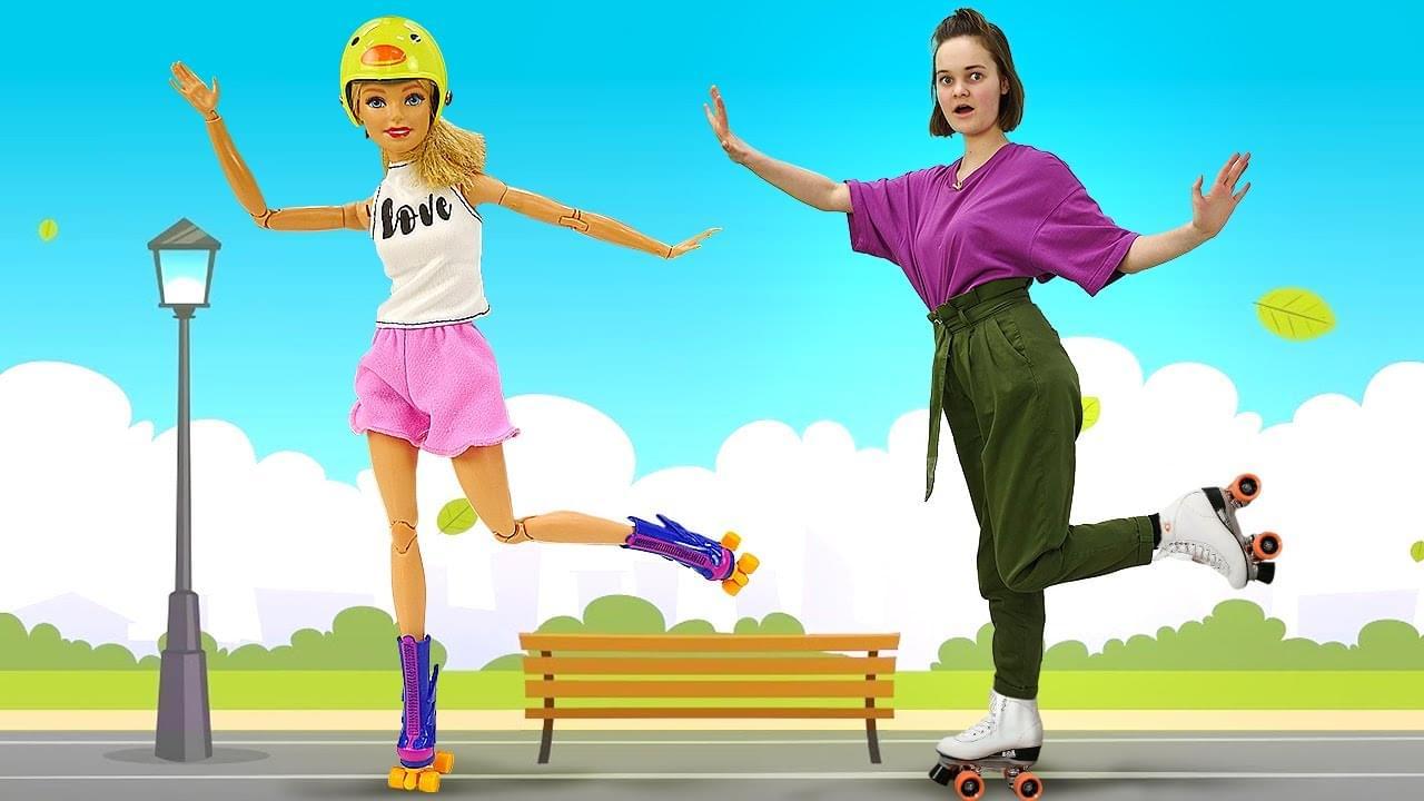 Лучшие Подружки — Игры для девочек одевалки — Кукла Барби катается на роликах! – Смешные видео для детей с Barbie