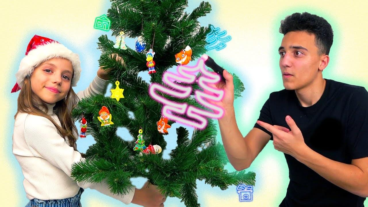 Май Литл Настя — НАРИСУЙ и я ОТГАДАЮ Наряжаем ёлку 3D игрушками ЧЕЛЛЕНДЖ от My little Nastya