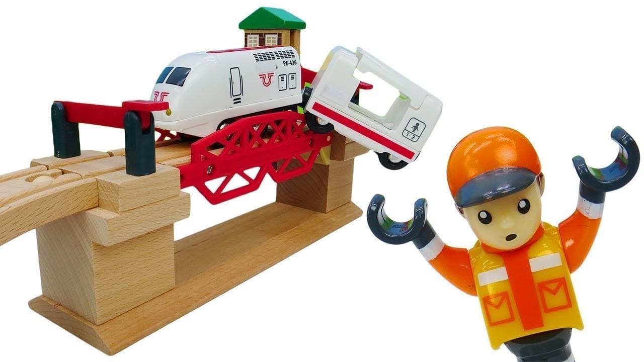 ДиДи ТВ — Авария на мосту! Железная дорога BRIO: развивающие игры для детей