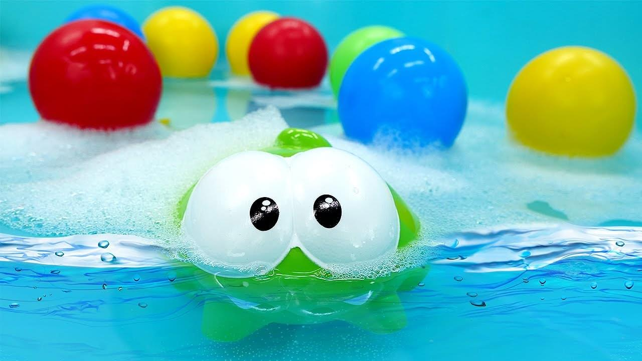 ДиДи ТВ — Монстрик Ам Ням обнаружил бассейн! Мультики для детей про игрушки
