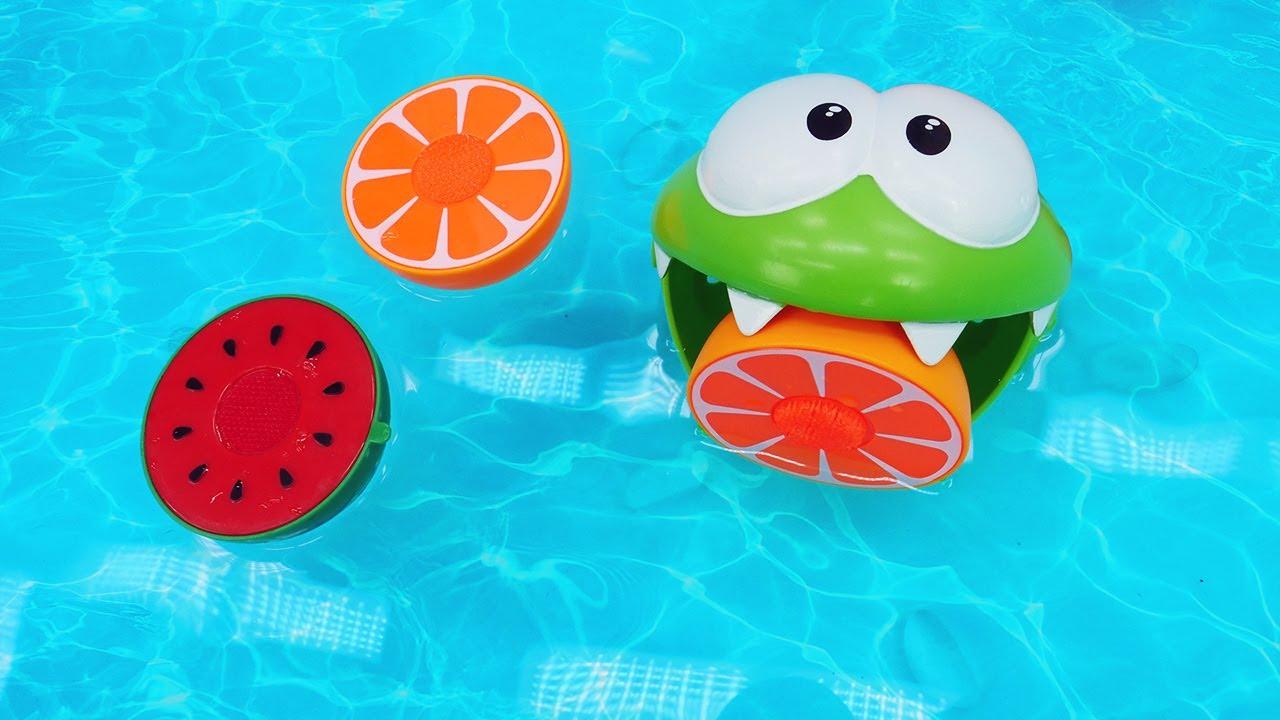 ДиДи ТВ — Ам Ням собирает фрукты в бассейне! Развивающие мультики для малышей