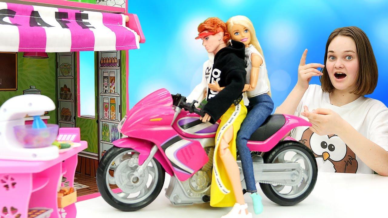 Лучшие Подружки — Красивые куклы в видео — Барби знакомится с Парнем в Кафе! – Ролевые игры для девочек с Barbie