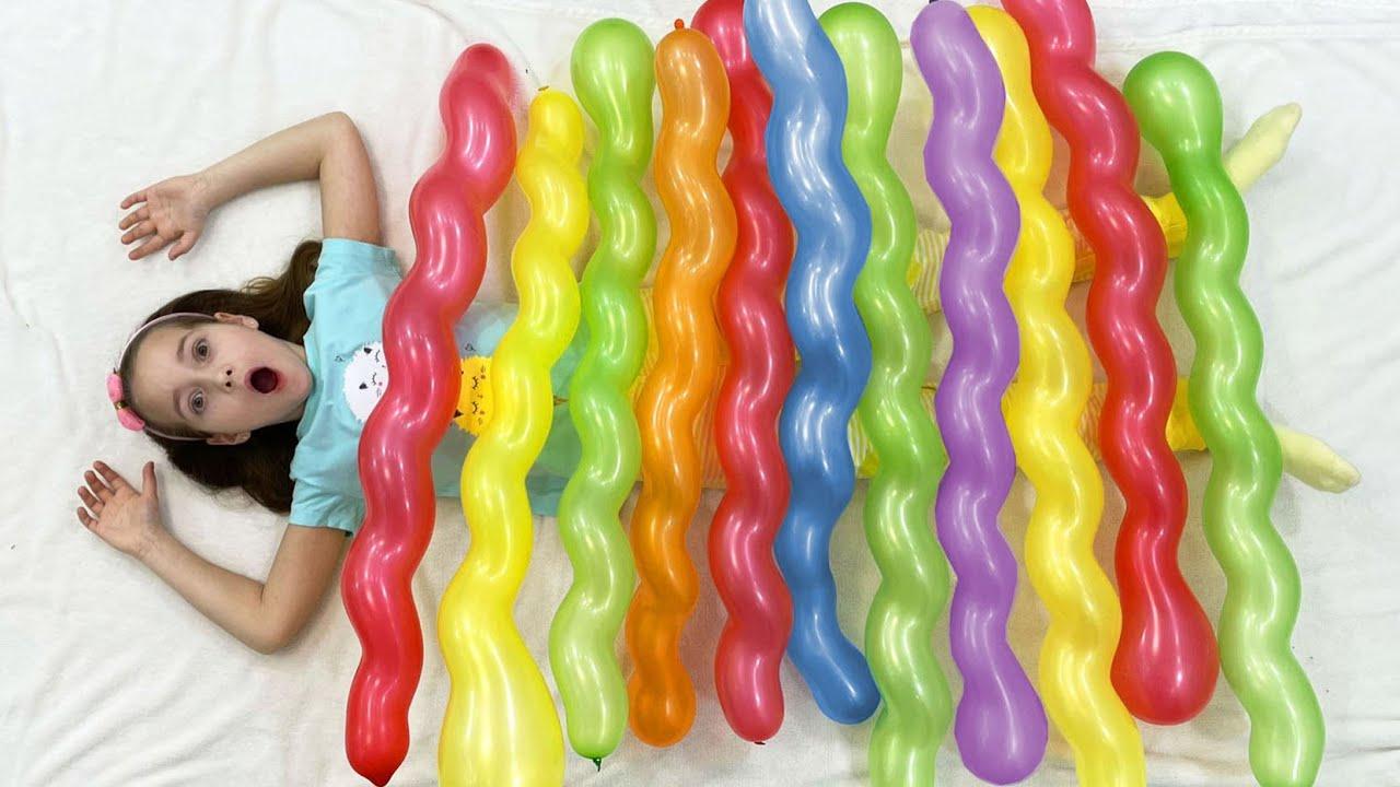 Маленькая Мисс София — София и Макс играют с Цветными Шариками и шутят над папой
