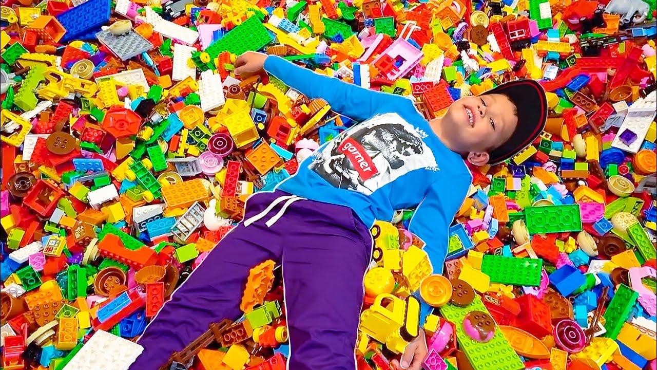 Мистер Макс — ВЛОГ Перезагрузка Lego House Дания Белунг Макс и папа на открытии