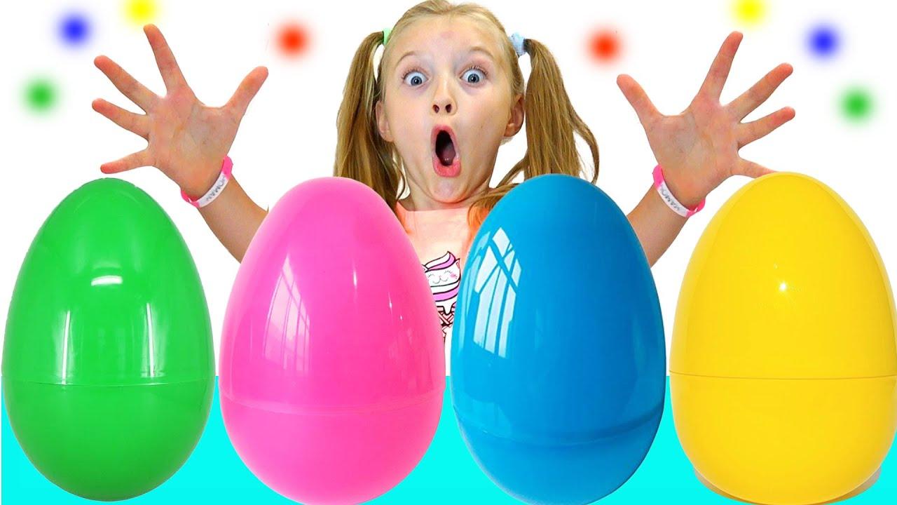 Супер Полина — Полина открывает гигантские яйца с сюрпризами История для детей