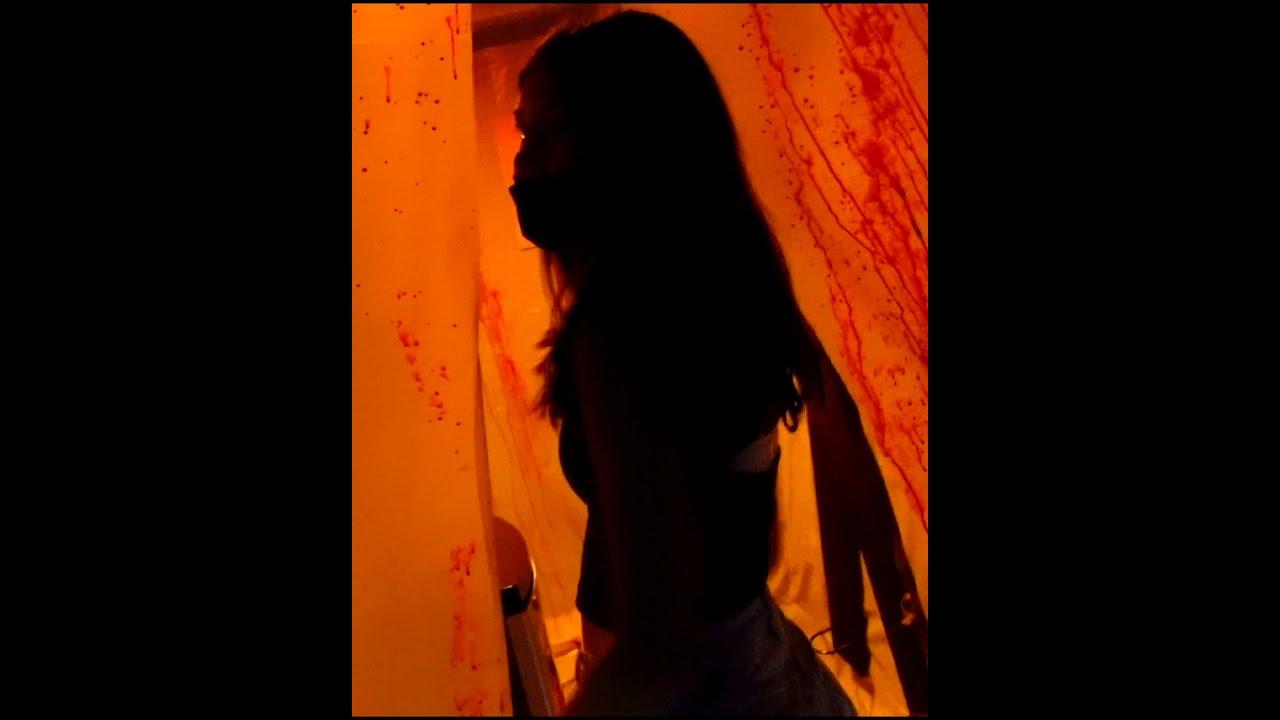Николь Крейзи Фэмили — ПРИЗРАК ЗА ДВЕРЬЮ в КОМНАТЕ #SHORTS  / shorts