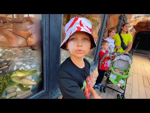Мили Ванили — ВЛОГ Алиса фанатка ЭДИСОНА ПЕРЦА! шоппинг НА МОРЕ ! Крокодиловая ферма в Голубицкой! Азовское море!