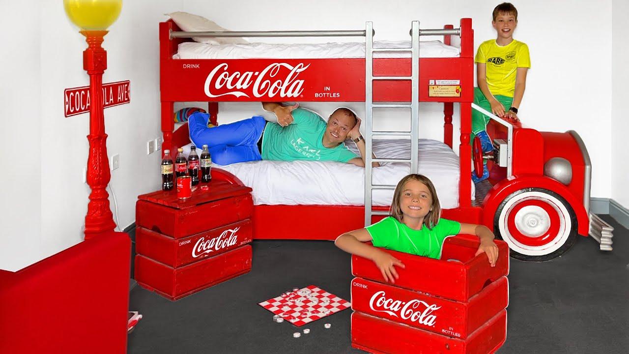 Мистер Макс — День в Кока Кола комнате