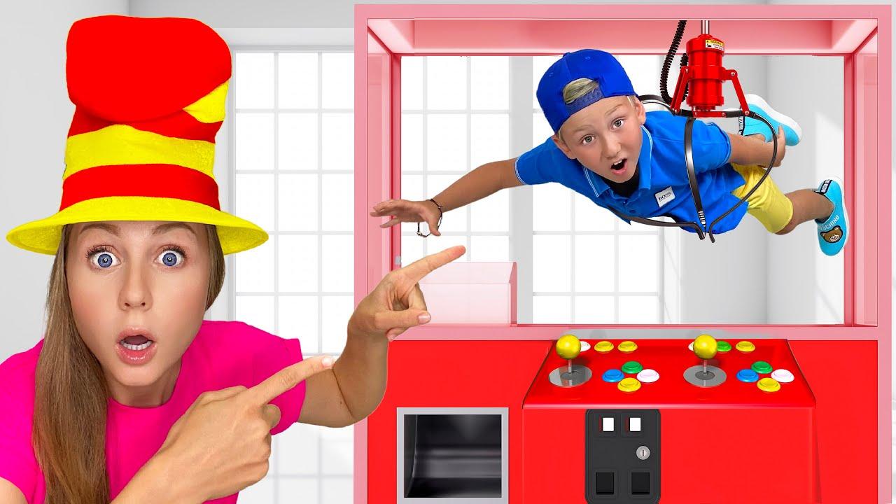 Супер Сеня — Senya and mom Pretend Play in the amusement park