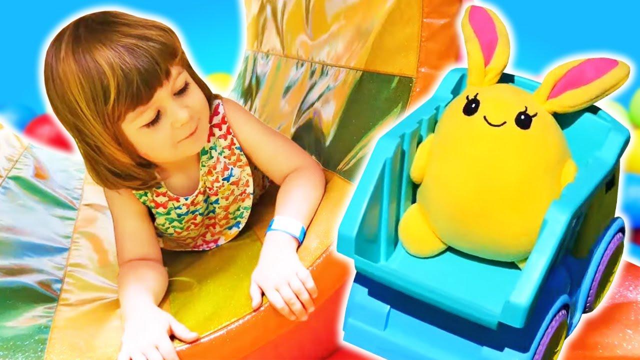 Капуки Кануки — Мама для Лаки — Маша Капуки Кануки, Бьянка и Лаки в парке развлечений — Трейлер — Видео для детей