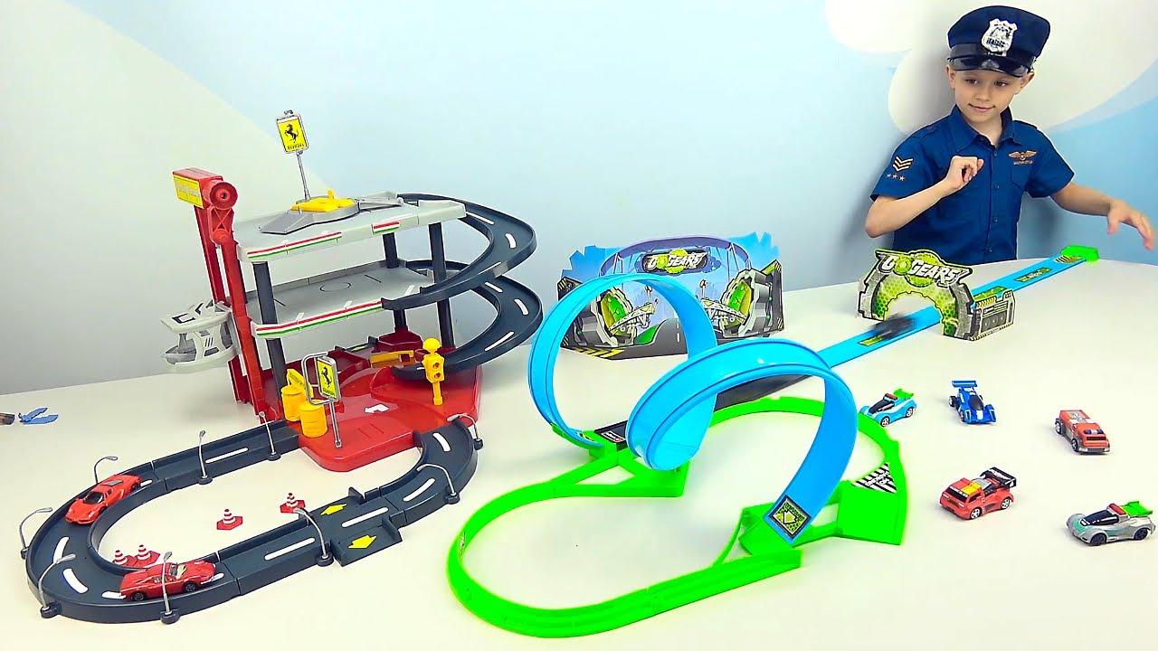 Полицейские  машинки, ПОЖАРНЫЕ МАШИНКИ для детей — Даник играет в гонки и собирает треки с трассами!