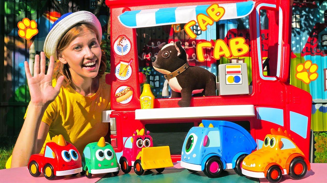 Как МАМА — Игры для детей на детской площадке в машинки Мокас — Как мама Шоколадки