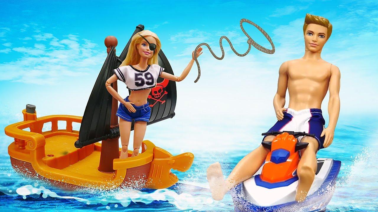 Лучшие Подружки — Прикольные видео — Кукла Барби и Кен отдыхают на море! — Весёлые видео игры одевалки для девочек