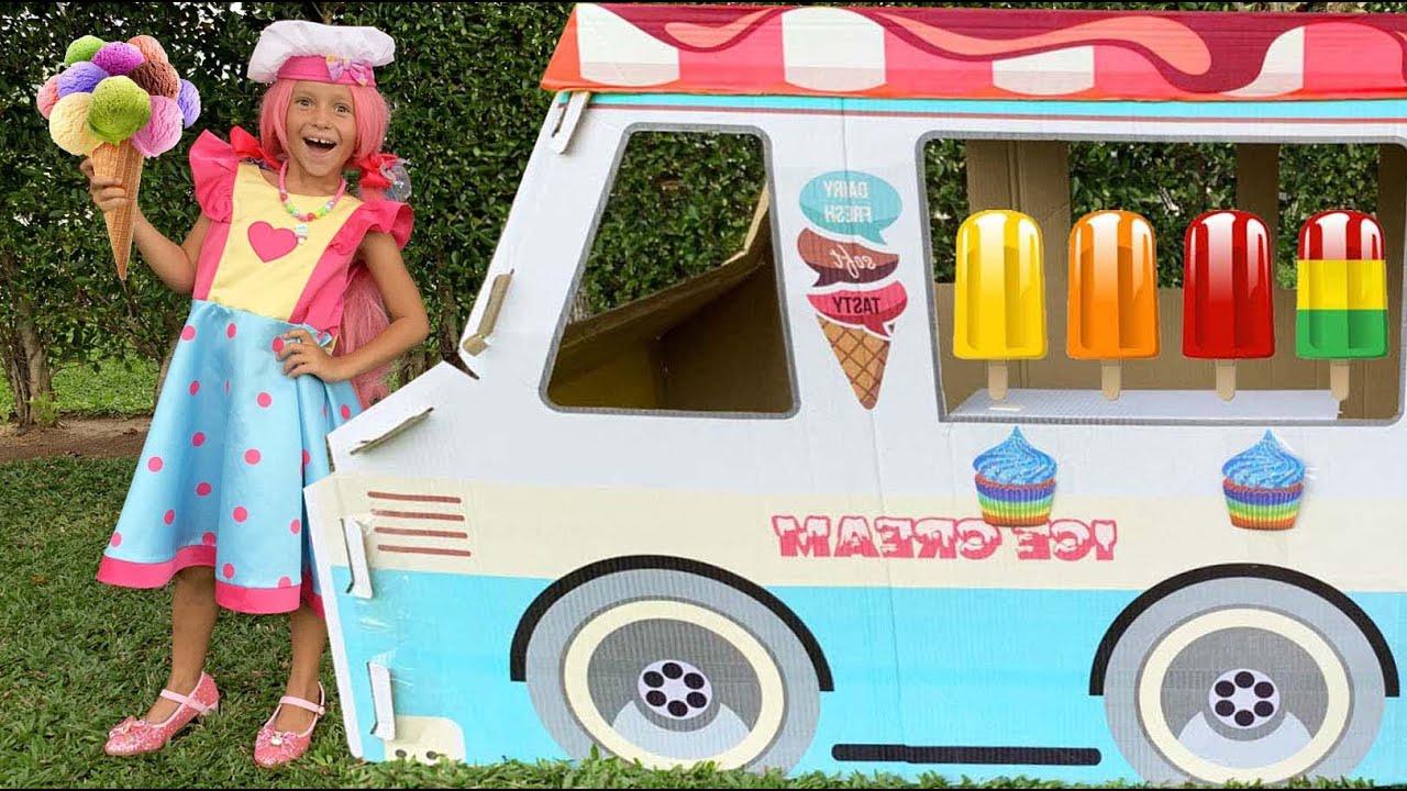 Маленькая Мисс София — Sofia fun selling in Ice Cream Truck!! София и веселая история про мороженое