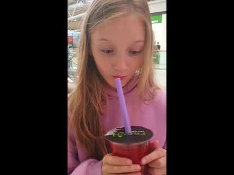 Супер Полина — Реакция Полины на разноцветный Bubble tea