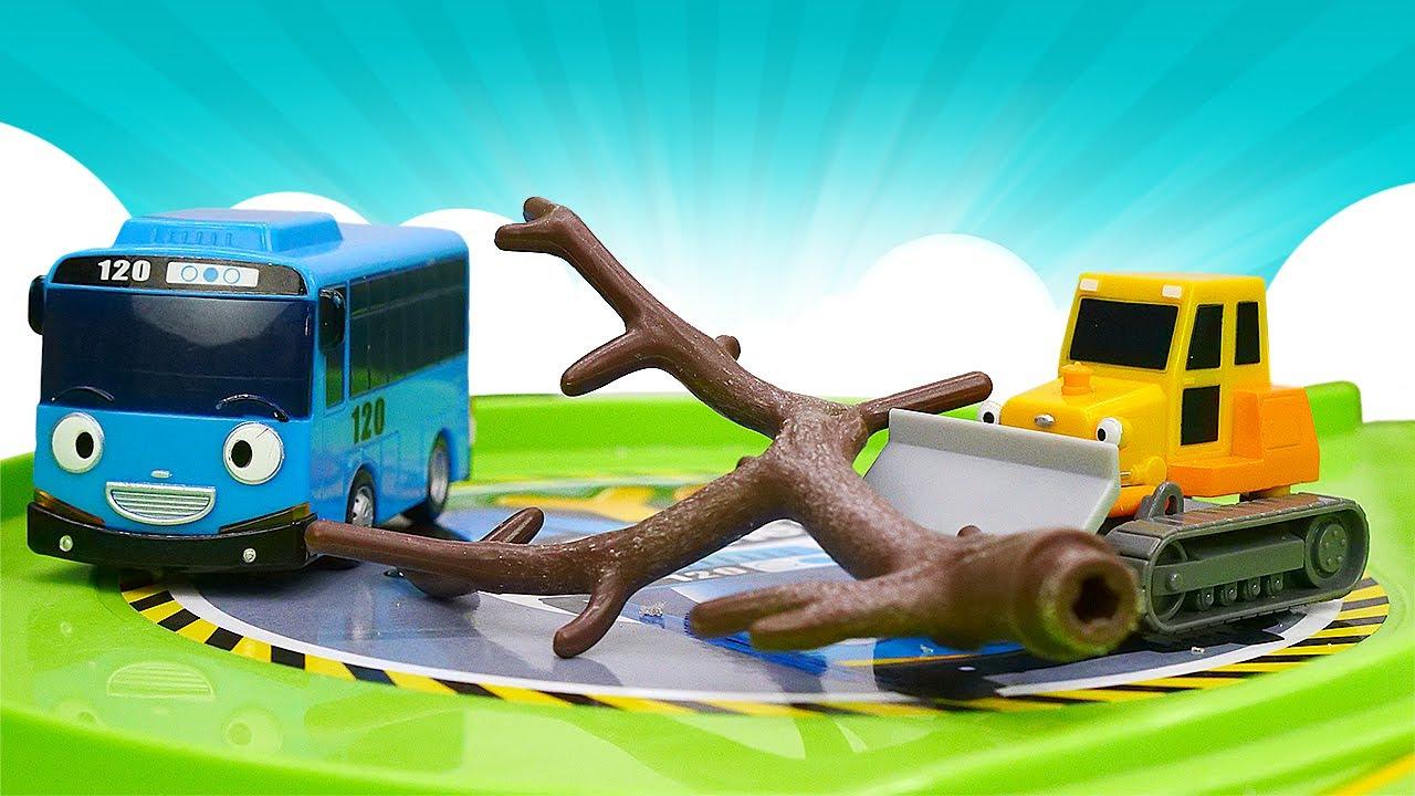 ДиДи ТВ — Тайо и его друзья расчищают парковку! Мультфильмы для детей про автобус Тайо и другие машинки